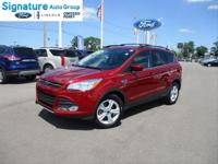 Ruby Red Metallic Tinted Clearcoat 2016 Ford Escape SE