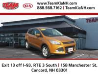 Ford Escape SE 2016 Gold Clean CARFAX. CARFAX