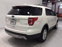 *AWD - Navigation - Power Sunroof - Heated Leather -