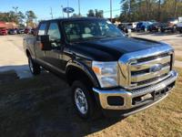 4WD. Crew Cab! Flex Fuel! This hard-working 2016 Ford