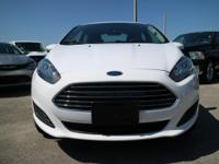Options:  2016 Ford Fiesta Se|Oxford White/Charcoal