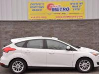 2016 Ford Focus SE  in Oxford White, CLEAN CARFAX, ONE