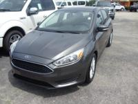Options:  2016 Ford Focus Se|Gray|12-Volt|2 Power
