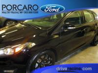 Options:  2016 Ford Focus Se|Shadow Black|Like New 2016