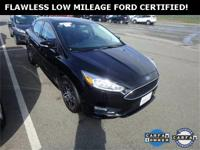 **WOW! 37+MPG! FLAWLESS FORD CERTIFIED FOCUS SE! *REAR