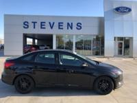 2016 Ford Focus SE FWD 6-Speed Automatic with