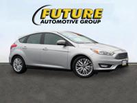 Come see this 2016 Ford Focus Titanium. Its Automatic