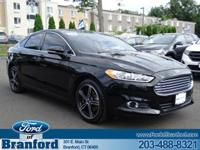 2016 Ford FUSION SE WITH 2.0 ECOBOOST!! Clean