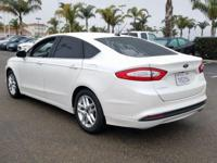 Options:  2016 Ford Fusion Se|White|6-Speed Automatic.