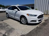 CARFAX One-Owner. White 2016 Ford Fusion SE FWD 6-Speed