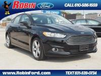 This reliable 2016 Ford Fusion SE comes with a variety