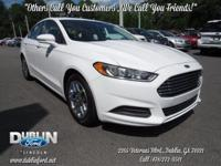 2016 Ford Fusion SE  *BLUETOOTH MP3*, *CLEAN CARFAX*,