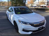 Very low mileage 2016 Honda Accord EX-L w/Navigation,