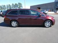 Come see this 2016 Honda Odyssey 5dr SE. Its Automatic