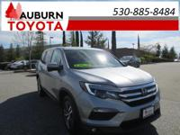 1 OWNER, BLUETOOTH, AWD!  This 2016 Honda Pilot EX