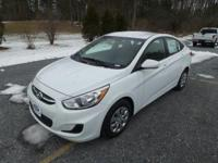 MP3 Player, KEYLESS ENTRY, 36 MPG Highway, SAT RADIO,