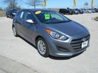 FUEL EFFICIENT 33 MPG Hwy/24 MPG City! Elantra GT trim.
