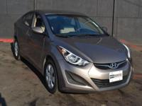 This 2016 Hyundai Elantra 4dr SE features a 1.8L 4