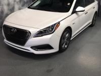 CARFAX One-Owner. Clean CARFAX. White 2016 Hyundai