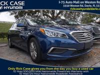 2016 Hyundai Sonata SE in Blue. Cloth. Panels are