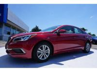 This 2016 Hyundai Sonata 2.4L SE is complete with
