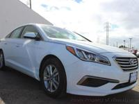 This 2016 Hyundai Sonata 4dr SE Sedan 4D features a