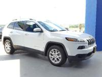 FUEL EFFICIENT 31 MPG Hwy/22 MPG City! CARFAX 1-Owner,