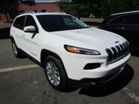 EPA 28 MPG Hwy/20 MPG City! CARFAX 1-Owner, GREAT MILES