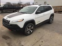 White 2016 Jeep Cherokee Trailhawk 4WD 9-Speed 948TE