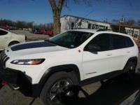 Leather, Heated Seats, 1 Owner Trailhawk 4x4!!!. Clean