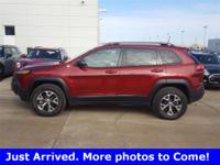 2016 Jeep Cherokee Trailhawk 4WD 9-Speed 948TE