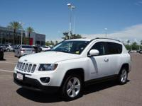 This 2016 Jeep Compass Latitude features a remote