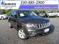 4WD, CRUISE CONTROL, ROOF RACK! This great 2016 Jeep