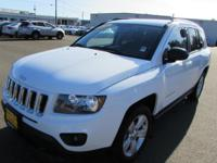 FUEL EFFICIENT 30 MPG Hwy/23 MPG City! CARFAX 1-Owner,