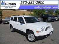 4WD, CRUISE CONTROL, DEALER MAINTAINED! This 2016 Jeep