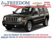 2016 Jeep Patriot Sport Eco Green Pearlcoat  CLEAN