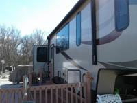 This Keystone 5th wheel is in excellent condition and