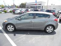 Come see this 2016 Kia Forte 5-Door LX. Its Automatic