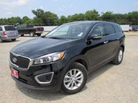 New Price! Clean CARFAX. 2016 Kia Sorento L FWD 6-Speed