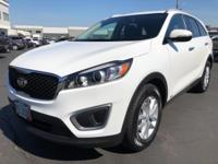 CARFAX One-Owner. 2016 Kia Sorento LX White One Owner,