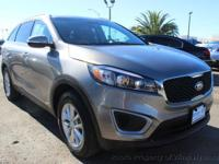 This 2016 Kia Sorento 4dr AWD 4dr 2.4L LX features a
