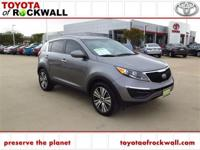 CARFAX One-Owner. Clean CARFAX. Mineral Silver 2016 Kia