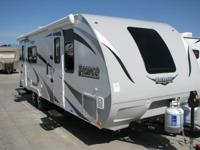 Travel Trailers Ultra-Lite 4067 PSN . 2016 Lance 2285