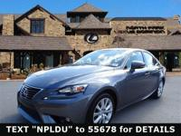 EPA 33 MPG Hwy/22 MPG City! CARFAX 1-Owner, L/