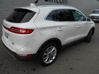 LINCOLN CERTIFIED PRE-OWNED! 2016 Lincoln MKC FWD.