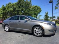 CARFAX One-Owner. Clean CARFAX. Platinum 2016 Lincoln