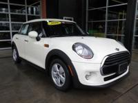 FUEL EFFICIENT 39 MPG Hwy/29 MPG City! CARFAX 1-Owner,