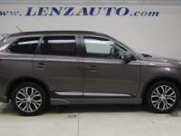 2.4L I4 SEL Mitsubishi Outlander Quartz Brown Metallic