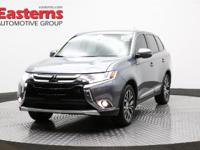 Options:  2016 Mitsubishi Outlander Se|Grey|2016