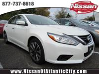 Come see this 2016 Nissan Altima 2.5 SL. Its Variable